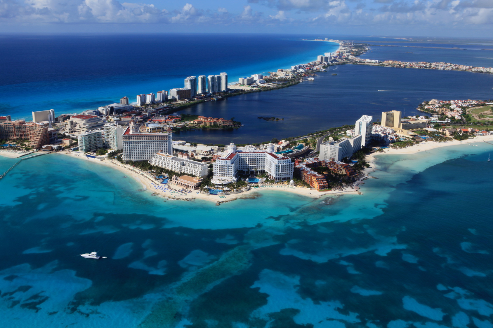 Mexico_Cancun_A(Fotolia)_127862571.jpg